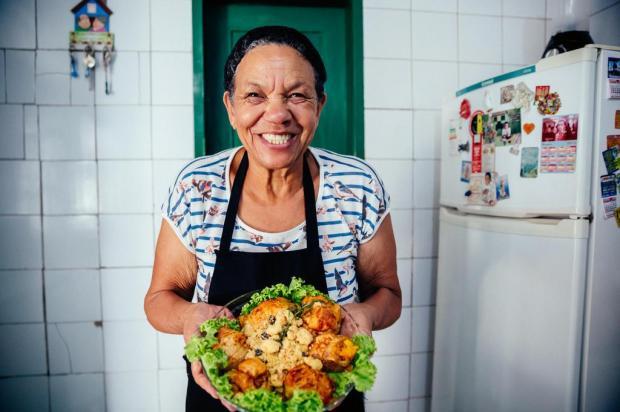 Coxinhas de frango recheadas da Heloísa: confira o passo a passo do prato Omar Freitas/Agencia RBS
