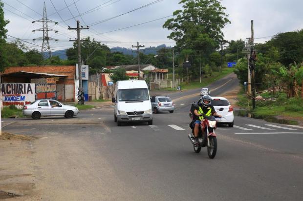 Cruzamento no limite entre Porto Alegre e Viamão está confuso há décadas Tadeu Vilani/Agencia RBS
