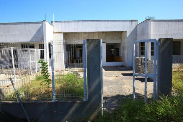 Obra de creche abandonada causa insegurança em Gravataí Tadeu Vilani/Agencia RBS