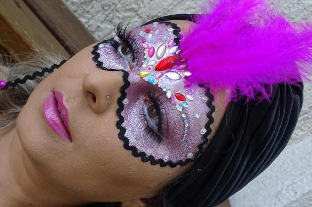 Saiba como fazer uma tatuagem de máscara para arrasar no carnaval Erika Medeiros/Senar RS,Divulgação