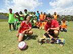 Projeto oferece aulas de futebol e outras atividades esportivas para 180 crianças e jovens na Zona Sul Lauro Alves/Agencia RBS