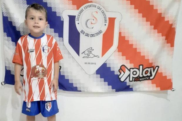 Solidariedade garante uniforme de futebol para pequenos jogadores de projeto social Arquivo pessoal/Arquivo Pessoal