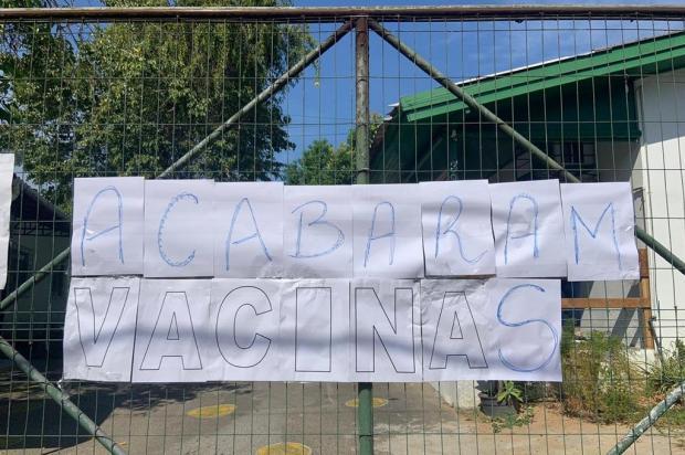 Segundo dia de vacinação para idosos tem filas em farmácias e doses esgotadas em quase 90% dos postos de Porto Alegre Tiago Boff/Especial