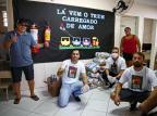 Após vaquinha virtual, projeto doa cestas básicas para pessoas que tiveram renda prejudicada pelo coronavírus Félix Zucco/Agencia RBS