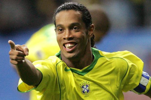 Luciano Périco: lamento que a trajetória fantástica de Ronaldinho dentro de campo fique arranhada por erros fora dele JOHN MACDOUGALL/AFP