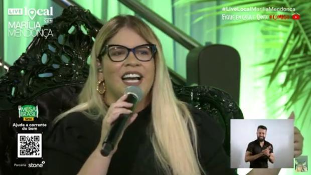 Marília Mendonça canta sucessos em live para mais de 3 milhões de espectadores; veja reações das redes Reprodução / Youtube/Youtube