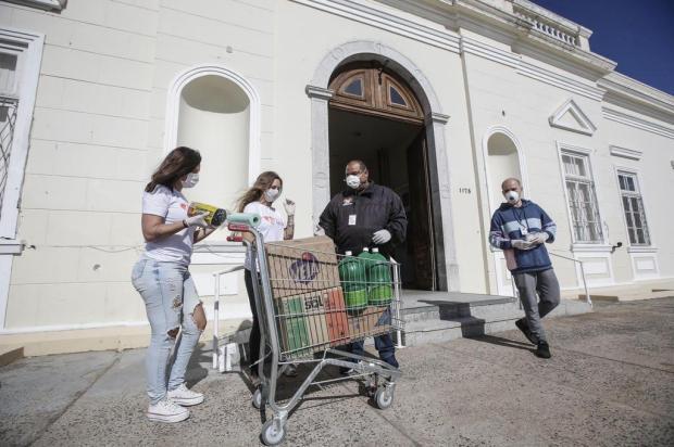 """ONG gaúcha que participou do """"Caldeirão do Huck"""" entrega doações ao Asilo Padre Cacique André Ávila/Agencia RBS"""