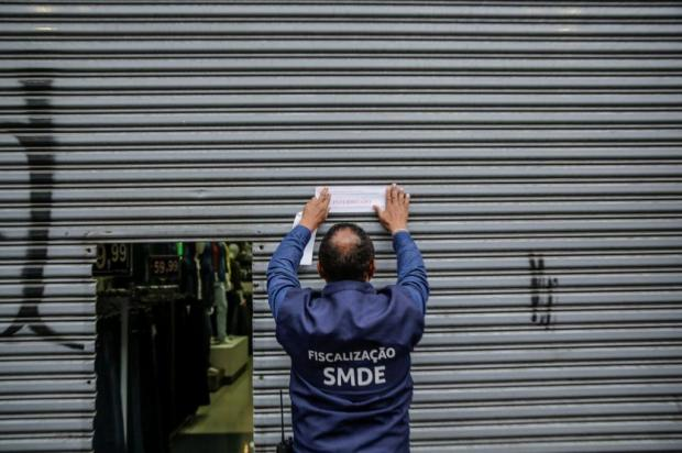 Prefeitura autua pelo menos 10 estabelecimentos no primeiro dia de reabertura do comércio em Porto Alegre Marco Favero/Agencia RBS