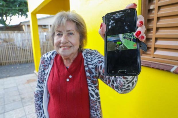 Projeto que oferece aulas em vídeo ajuda idosos de Canoas a se movimentarem durante o isolamento social Isadora Neumann/Agencia RBS