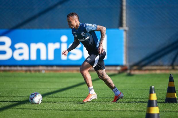 Guerrinha: volta aos treinos com bola é importante na recuperação da forma Lucas Uebel / Grêmio, Divulgação/Grêmio, Divulgação
