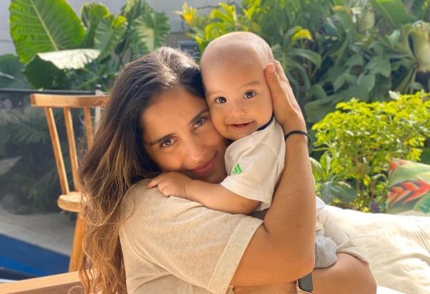 """Camilla Camargo fala da rotina com bebê de 9 meses: """"Emendei o puerpério com a quarentena"""" Camilla Camargo Instagram / Reprodução/Reprodução"""