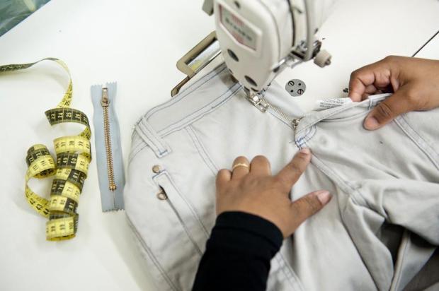 Consumo consciente e moda sob medida: costureiras se destacam em tempos de pandemia Carlos Macedo/Especial