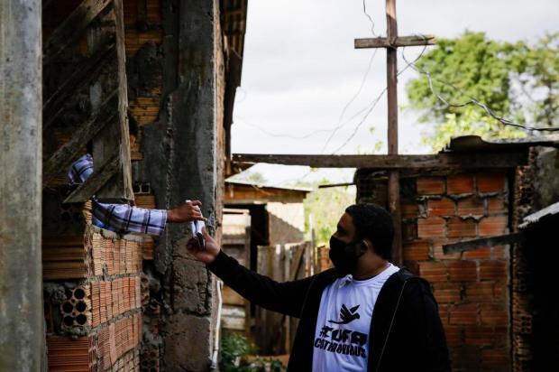 Grupo RBS, Lebes e Renner doam 40 mil máscaras para comunidades vulneráveis de Porto Alegre Mateus Bruxel/Agencia RBS