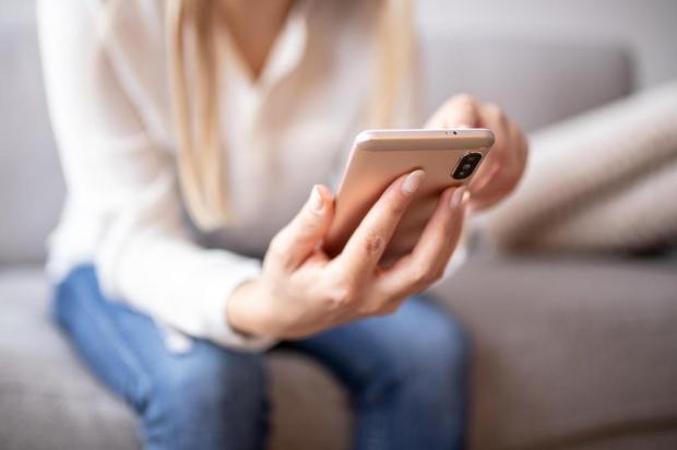 Aplicativos de relacionamento: os aliados das solteiras em isolamento social makyzz/stock.adobe.com