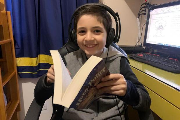 Estudante de oito anos escreve livro no distanciamento social e faz vaquinha para publicação em Novo Hamburgo Tiago Boff/Agencia RBS