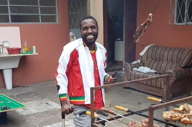 """""""Diziam que eu iria sangrar até morrer"""", relembra angolano baleado em abordagem policial em Gravataí Januário Gonçalves/Arquivo pessoal"""