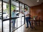 Impedidos de receber clientes, restaurantes voltam a se adaptar para pague e leve e projetam queda no movimento Mateus Bruxel/Agencia RBS
