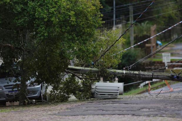 Ciclone-bomba causa estragos e deixa clientes sem luz no RS Mateus Bruxel/Agencia RBS