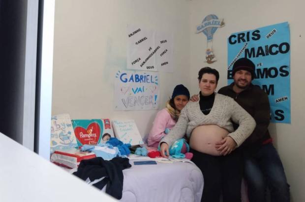 Casal de Caxias do Sul pede ajuda para garantir tratamento de bebê com síndrome rara Divulgação / Arquivo pessoal/Arquivo pessoal