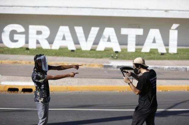 Jovem de Gravataí chama a atenção nas redes sociais com paródias para divulgar comércios da cidade Lauro Alves/Agencia RBS