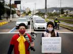 Circo que se apresentava em escolas públicas vai a sinaleiras da Capital em busca de doações Mateus Bruxel/Agencia RBS