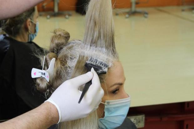 Confira dicas para retocar a raiz dos cabelos em casa Alfredo Fredrich/Divulgação