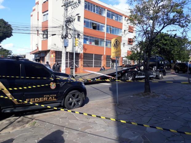 Policial federal reage a assalto e mata criminoso na zona norte de Porto Alegre Laura Becker / Agência RBS/Agência RBS