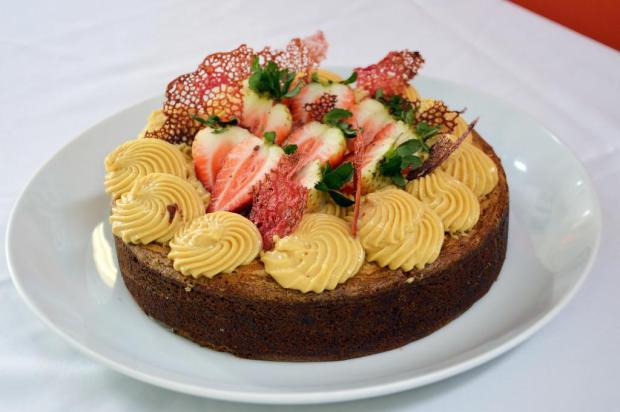 Blondie brownie da Vanessa: aprenda a fazer um bolo cremoso de chocolate branco Eduardo Plinio Maciel Pereira/Senac