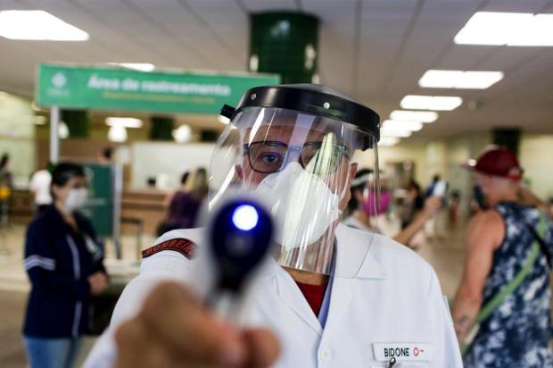 """""""O sentimento é de estar lutando uma guerra"""", diz voluntário do Hospital de Clínicas sobre combate à pandemia Mateus Bruxel/Agencia RBS"""