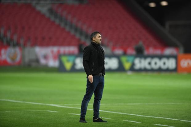 Guerrinha: com desfalques, Coudet precisará acertar em cheio para o Inter vencer Ricardo Duarte / Inter, divulgação/Inter, divulgação