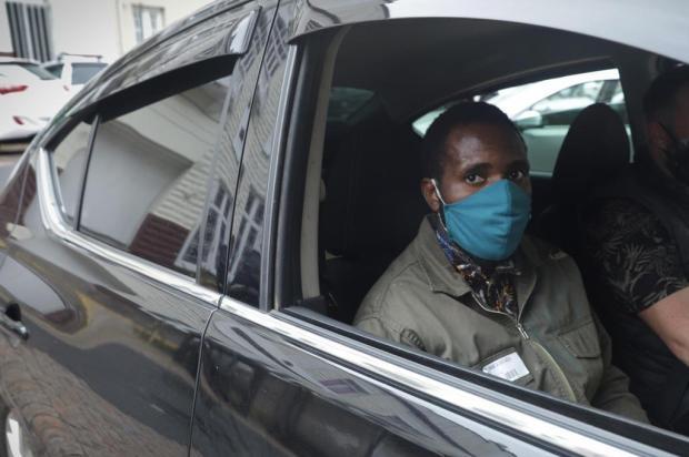 """""""Como 34 tiros de policiais não têm a intenção de matar?"""", questiona turista angolano após conclusão do MP Isadora Neumann/Agencia RBS"""