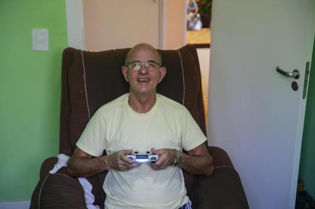 Aos 70 anos, morador de Viamão participa de competições de videogame André Ávila/Agencia RBS