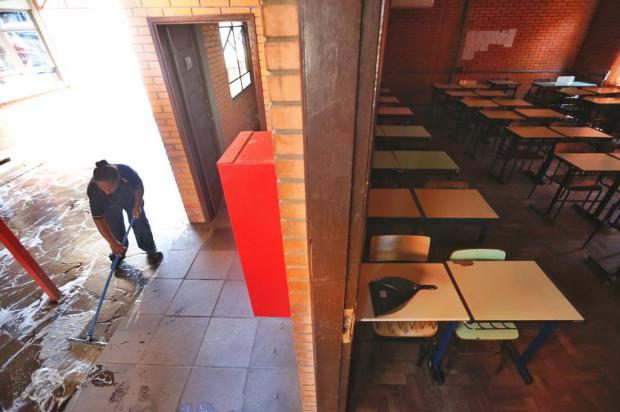 Dois dias após retomada de aulas presenciais no RS, somente 7% das escolas estaduais receberam alunos Lauro Alves/Agencia RBS
