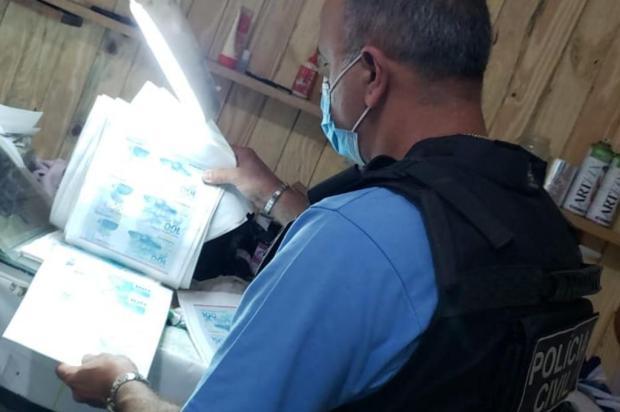 Polícia apreende R$ 500 mil em notas falsas e fecha gráfica clandestina no Litoral Norte Divulgação/Polícia Civil