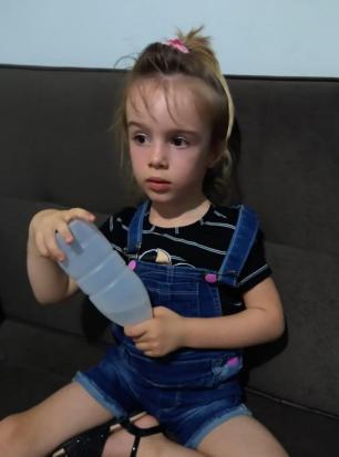 Família de menina com doença rara luta contra o tempo para conseguir medicamento Arquivo Pessoal/Arquivo Pessoal