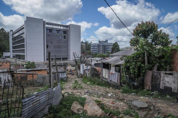 Vila Mato Sampaio comemora aprovação de lei que impede reintegração de posse Isadora Neumann/Agencia RBS