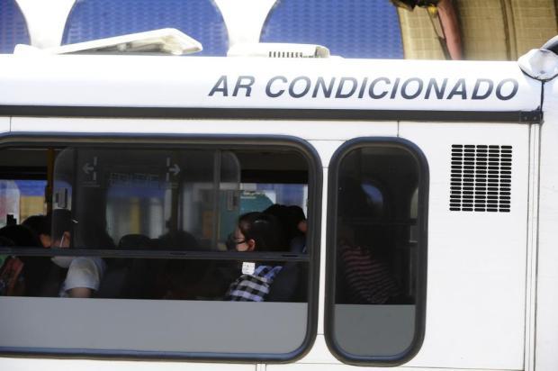 Mesmo com forte calor, ar-condicionado dos ônibus da Capital deve ficar desligado para evitar coronavírus Ronaldo Bernardi/Agencia RBS
