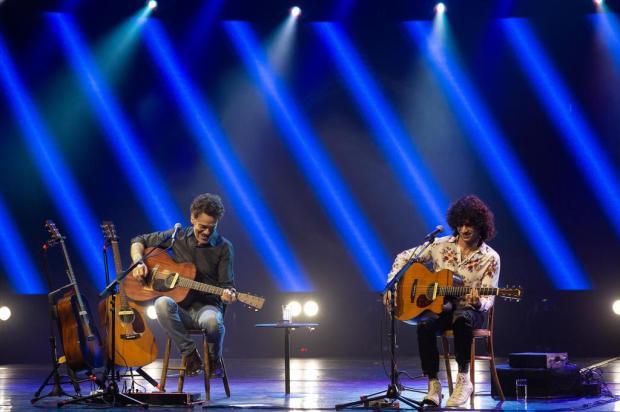 Nando Reis reabre Araújo Vianna cantando hits ao lado do filho Carol Siqueira/Divulgação