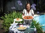 Ceia de Ano-Novo da vó Nelba: aprenda a fazer o filezinho suíno com farofa de banana Isadora Neumann/Agencia RBS