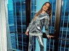 """Atração da virada na Times Square, Anitta posta foto com look prateado e pergunta aos fãs: """"Prontos""""? @anitta/Instagram/ Reprodução"""