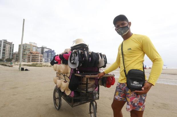 Para carregar máscara ou por estilo, bolsas masculinas são tendência no Litoral Norte em 2021 Lauro Alves / Agencia RBS/Agencia RBS