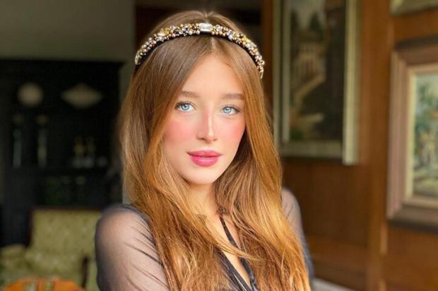 Tiara com brilho:o hit do verão Instagram / Reprodução/Reprodução