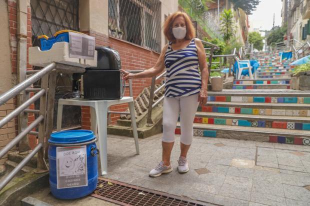 Troca de livros, coleta de óleo e de lixo eletrônico: moradora promove ações sustentáveis na escadaria 24 de Maio Isadora Neumann / Agencia RBS/Agencia RBS