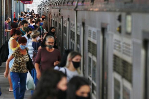 Trens lotados, álcool gel em falta e lavatórios quebrados: as principais reclamações dos usuários do trensurb Lauro Alves / Agencia RBS/Agencia RBS