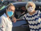 Estudante de Enfermagem faz surpresa e vacina avós que não via desde novembro UniRitter / Divulgação/Divulgação