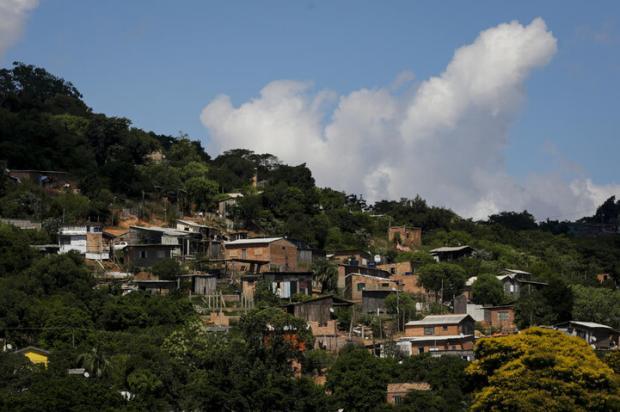 A rotina das famílias que vivem em áreas de risco de Porto Alegre Mateus Bruxel / Agencia RBS/Agencia RBS