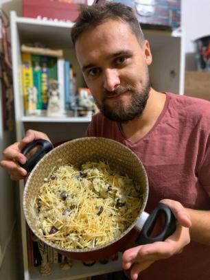 No Dia do Jornalista, Tiago Boff ensina a fazer o bacalhau falso Tiago Boff / Arquivo Pessoal/Arquivo Pessoal