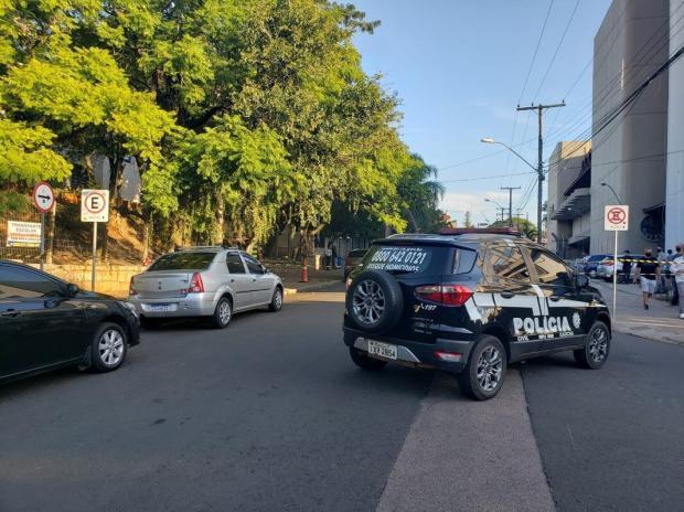 Homem é morto a tiros no bairro Higienópolis, em Porto Alegre Eduardo Paganella / Agência RBS/Agência RBS