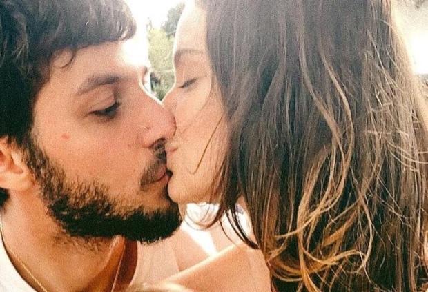 Chay Suede e Laura Neiva esperam o segundo filho Laura Neiva Instagram / Reprodução/Reprodução