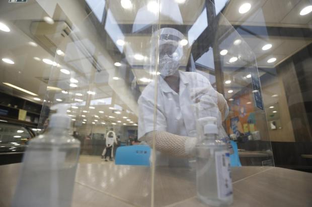 De esteira sanitizante a aulas na rua: colégios usam a criatividade para oferecer ensino presencial Lauro Alves / Agencia RBS/Agencia RBS